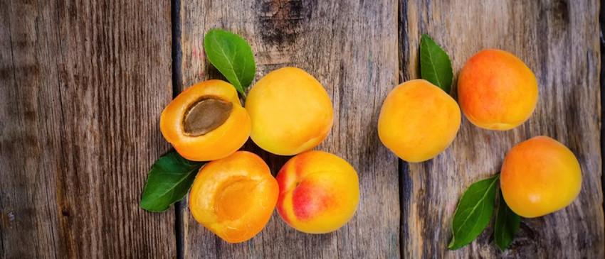 bitter apricot kernels Vitamin B17