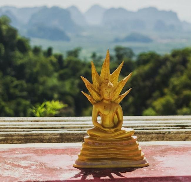 snake oil Thailand castle herbal spray