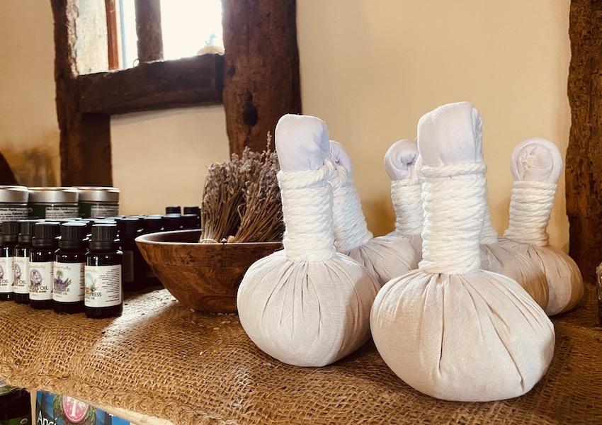 cotton herbs massage ball